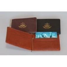 Зажим для купюр с отделениями под визитки с тиснением орнамента-символа,115x80 мм, кожа.