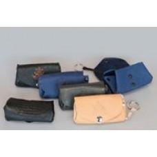 Ключница-кошелек 70x100x15 мм. отделение для мелочи, внутри кольцо для ключей, тиснение символов- орнаментов, кожа.